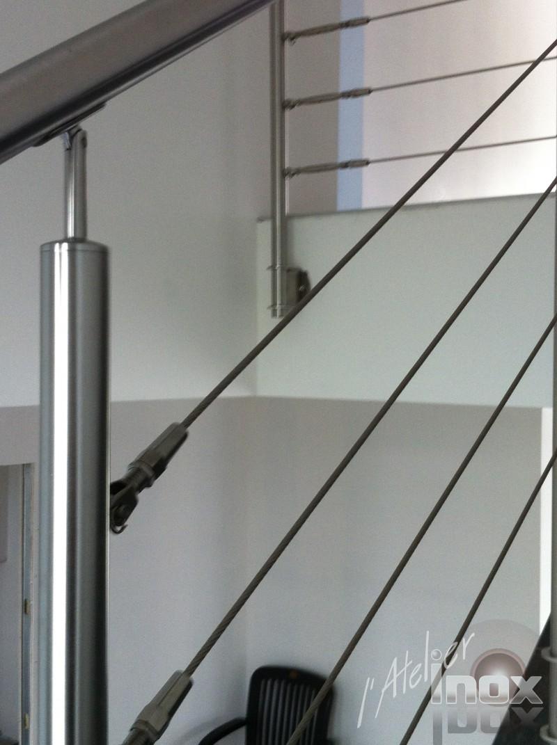 cable inox escalier carrelage