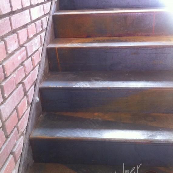 escalier industriel flottant
