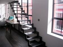 Escalier cremaillère en acier brut laminage
