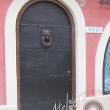 Garnissage en zinc sur porte en bois