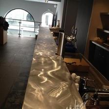 Garnissage comptoir en inox - restaurant le Cercle Mulhouse
