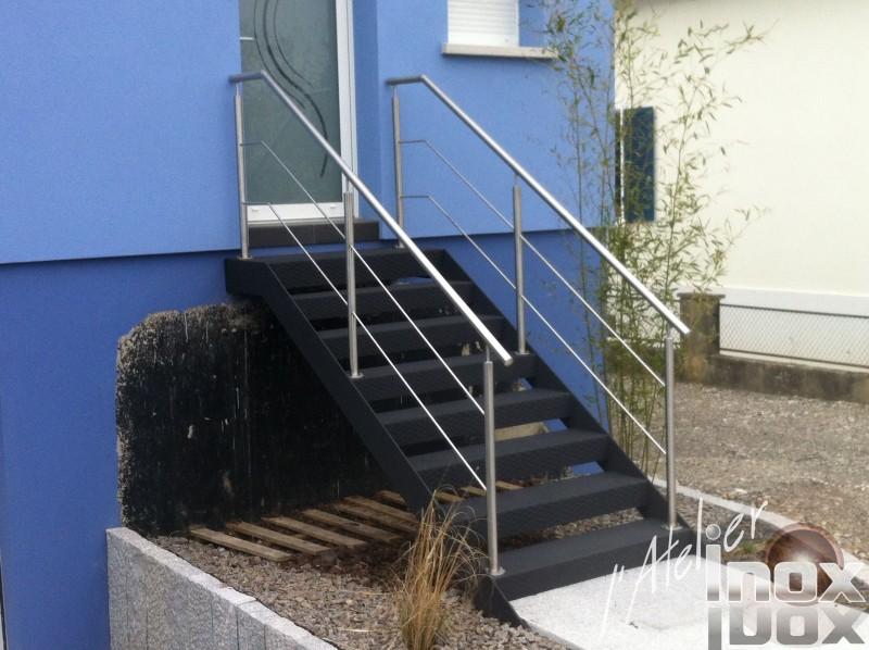 escalier acier larmé