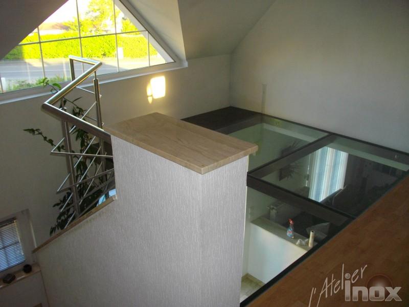 structure inox profil et verre