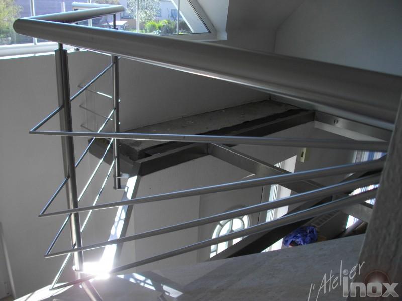 plancher verre et rampe inox lisses